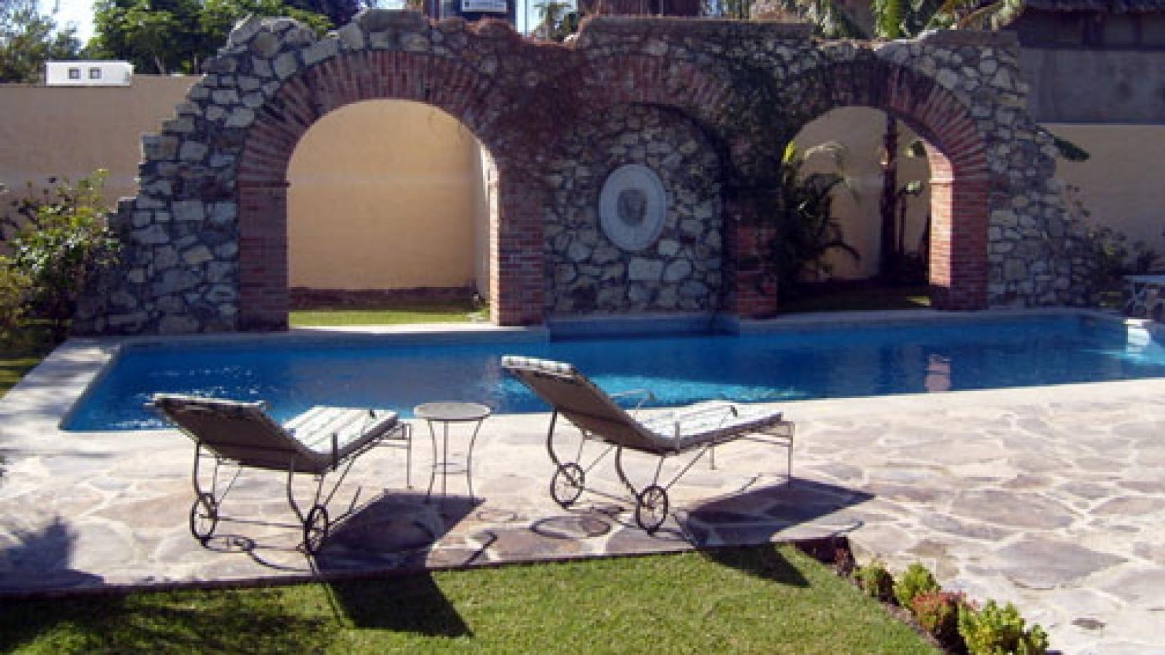 pool_furniture